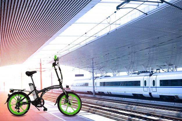 אופניים חשמליים ברכבת